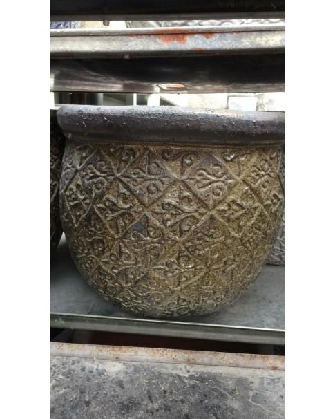 Areca palm with ceramic pot